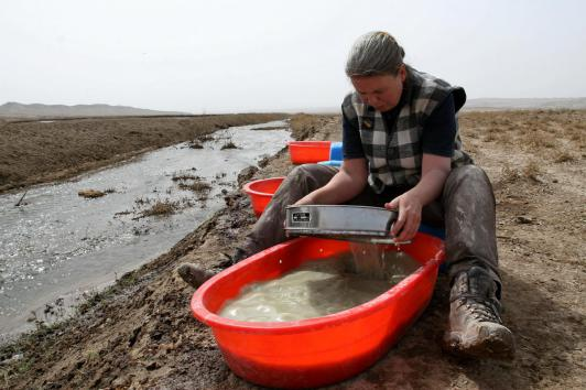 Annette is carefully sieving sediment in search for microfossils